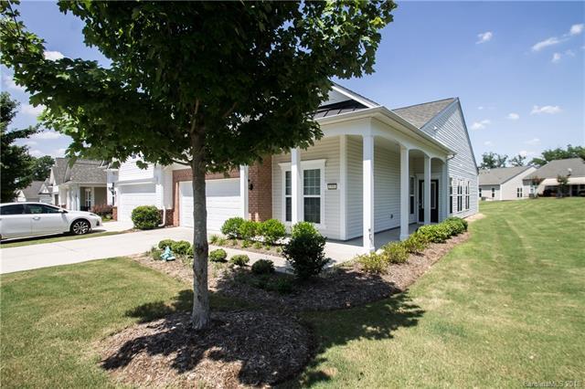 Gorgeous Villa home w/ Hardwoods & Screened Porch!