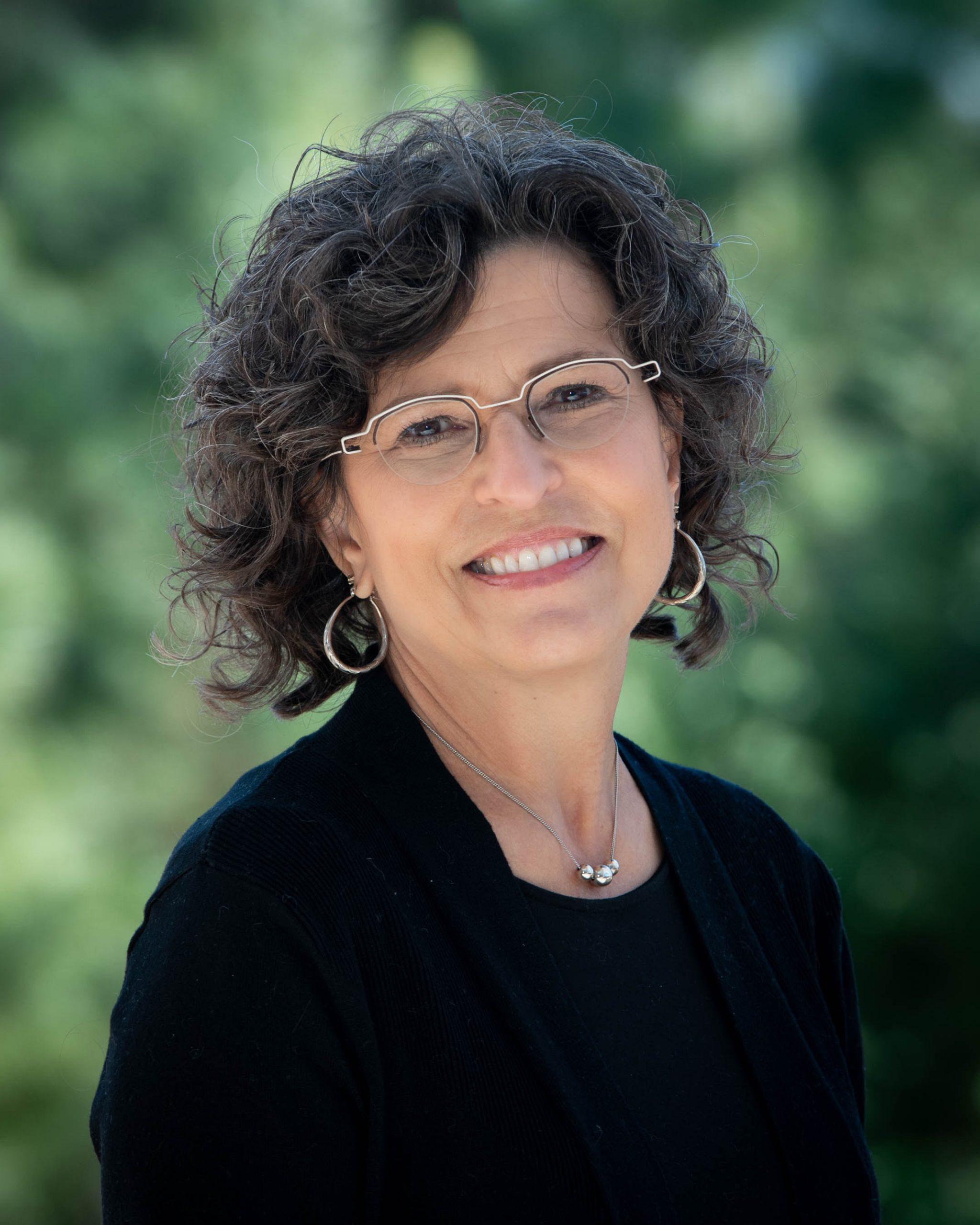 Suzanne Crosser
